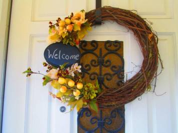 Bright autumn wreath with chalkboard for you to personalize